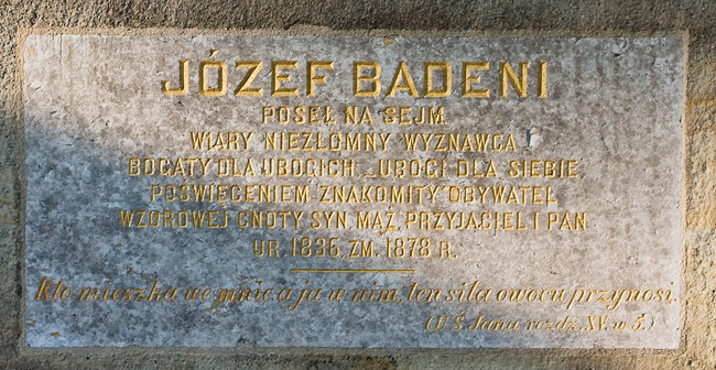 An epitaph on a tomb near the church in Ruszcza