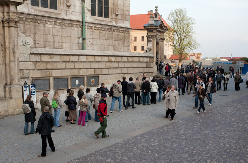 Queueing to the crypt