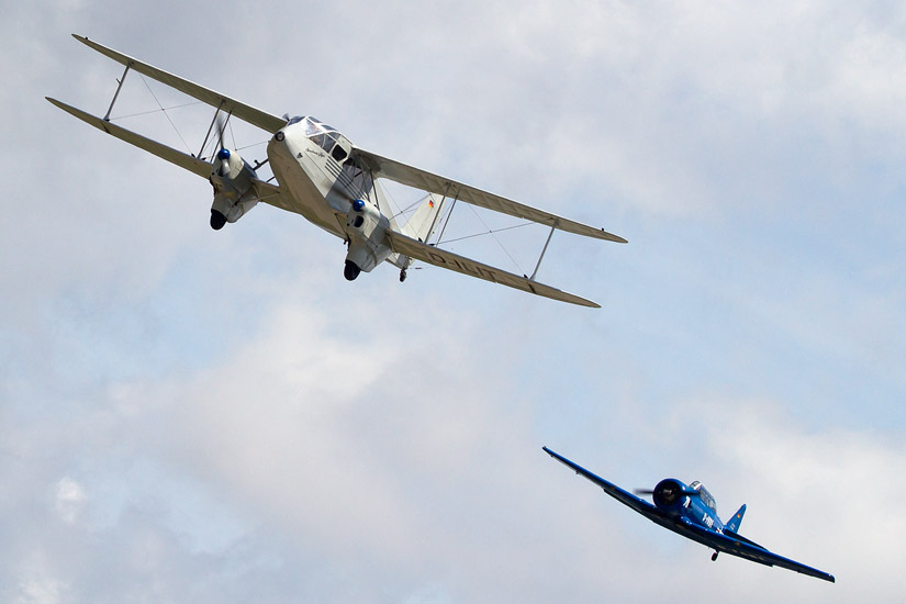 7th Air Show in Kraków: De Havilland DH-89A Dragon Rapide (D-ILIT) and North American T-6 Texan (D-FABE)