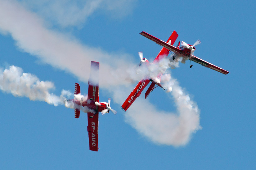 7th Air Show in Kraków: Żelazny aerobatics group
