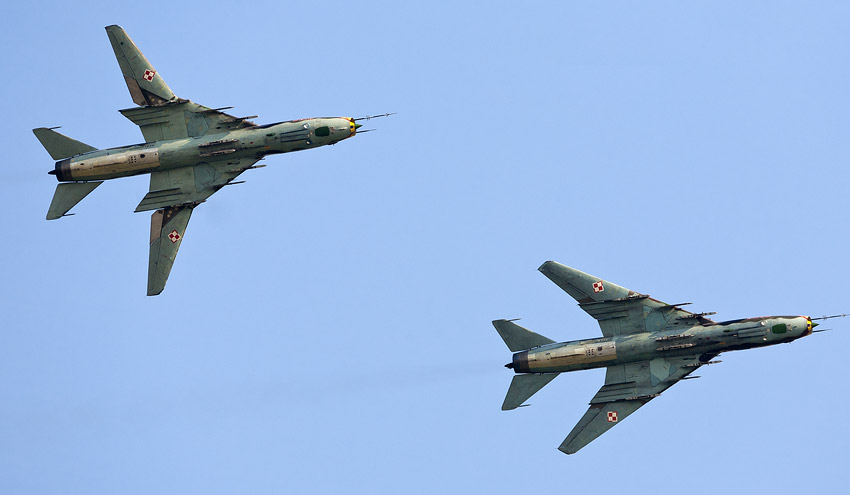 Air Show Radom 2011: two Su-22M4 with different wing configurations