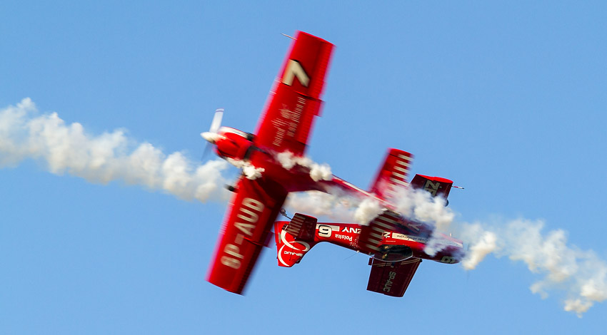 9th Air Show in Kraków: Żelazny Aerobatics Group