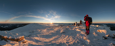 Greeting the sunrise on the summit of Babia Góra (1725 m).  Click to view this panorama in new fullscreen window
