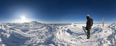 Winter landscape on the eastern ridge of Babia Góra.  Click to view this panorama in new fullscreen window
