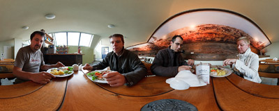 Lunch in the Bastion Diner, just by the Kościuszko Mound.  Click to view this panorama in new fullscreen window