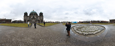 The Lustgarten in the Berlin, opposite the Berliner Dom cathedral.  Click to view this panorama in new fullscreen window