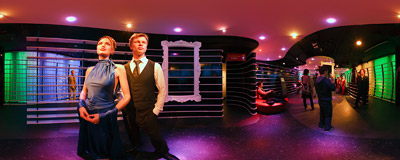 Wax figures of Brad Pitt and Angelina Jolie in Madame Tussauds in Berlin.  Click to view this panorama in new fullscreen window