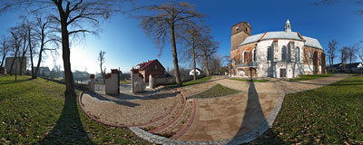 St. Peter's and St. Paul's church in Bolechowice (13-20th century).  Click to view this panorama in new fullscreen window