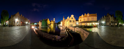 Rozenhoedkaai (Rosary Wharf) is the most picturesque spot in Bruges, Belgium.  Click to view this panorama in new fullscreen window