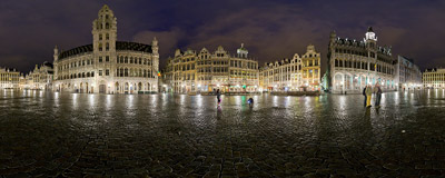 Rainy night in June in the Brussels' Grand Place.  Click to view this panorama in new fullscreen window