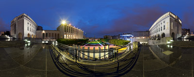 A night view of Brussels from the Mont des Arts hill.  Click to view this panorama in new fullscreen window