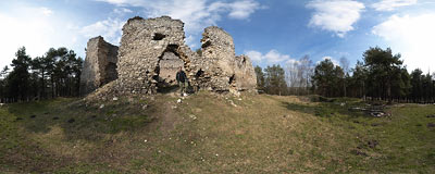 Bydlin castle ruins.  Click to view this panorama in new fullscreen window