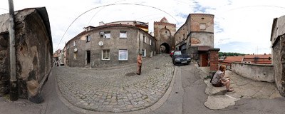 Brama Wodna ('Water Gate') in the medieval fortifications of the town of Bystrzyca Kłodzka.  Click to view this panorama in new fullscreen window