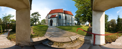 Gothic church of St. Bartholomew in Chotel Czerwony, funded in 1440.  Click to view this panorama in new fullscreen window