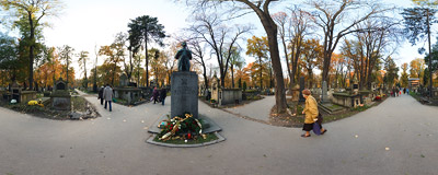 A monument of Ignacy Daszyński in the main alley of Rakowice Cemetery in Kraków.  Click to view this panorama in new fullscreen window