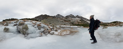 Czerwone Stawki Gąsienicowe (1693 m): another frozen lake in Dolina Stawów Gąsienicowych in the Polish Tatra Mountains.  Click to view this panorama in new fullscreen window