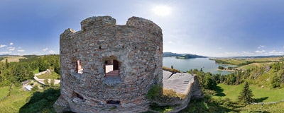 Ruins of a castle in Czorsztyn in the Pieniny region.  Click to view this panorama in new fullscreen window