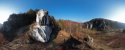 Kobylańska Valley, popular among tourists and rock climbers.  Click to view this panorama in new fullscreen window