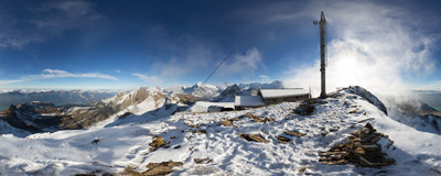 On the summit of Faulhorn (2681 m) in the Swiss Alps.  Click to view this panorama in new fullscreen window