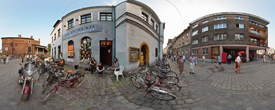 Kraków-Kazimierz, Józefa street.  Click to view this panorama in new fullscreen window