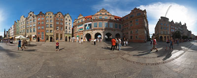 Gdańsk - Długi Targ (Long Market) street.  Click to view this panorama in new fullscreen window