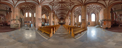 Gdańsk - St. Brigitte's church.  Click to view this panorama in new fullscreen window
