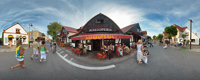 Main street in Hel, by the Maszoperia restaurant.  Click to view this panorama in new fullscreen window