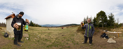 TAsting the new beer from the Pinta Brewery at Polana Skalne under the summit of Jasień (1062 m) in the Beskid Wyspowy mountain range.  Click to view this panorama in new fullscreen window