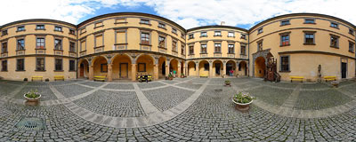 Jičín castle - medium courtyard.  Click to view this panorama in new fullscreen window