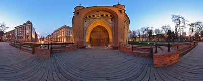 Kraków - evening by the Barbican.  Click to view this panorama in new fullscreen window