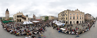 Traditional Corpus Christi procession on the Main Square in Kraków.  Click to view this panorama in new fullscreen window