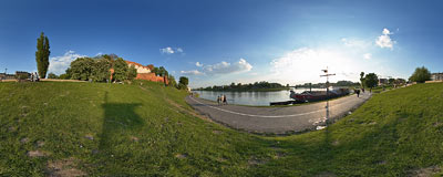 Spring evening by the Vistula river in Kraków.  Click to view this panorama in new fullscreen window