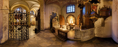 Nativity scene in the Dominican church of Holy Trinity in Kraków.  Click to view this panorama in new fullscreen window