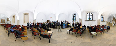 4th anniversary of John Paul II's death: Voce Angeli choir rehearsal in the Franciscan monastery in Kraków.  Click to view this panorama in new fullscreen window