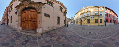 Kanonicza Street in the Kraków Old Town.  Click to view this panorama in new fullscreen window