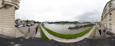 This morning a new footbridge was put across the Vistula river in Kraków.  Click to view this panorama in new fullscreen window
