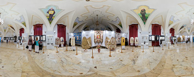 An exhibition devoted to local saints in the Bernardine convent in Kraków.  Click to view this panorama in new fullscreen window