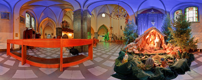Nativity scene in the Carmelite church of the Immaculate Conception of Virgin Mary on Rakowicka Street in Kraków.  Click to view this panorama in new fullscreen window