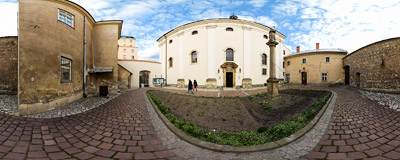 17th-century Dominican church on Mikołajska Street in Kraków.  Click to view this panorama in new fullscreen window