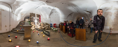 The Tomb of the Lord in the crypt of the Piarist church in Kraków (see the same location in 2008,  2009, 2010, 2011, 2012, 2013, 2014 and 2015).  Click to view this panorama in new fullscreen window