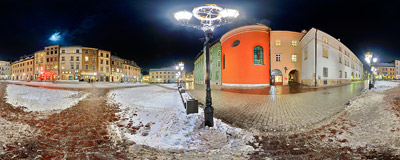 Winter evening on Mały Rynek (Small Town Square) in Kraków.  Click to view this panorama in new fullscreen window