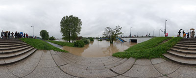 May 2010 flood in Kraków: flooded boulevards and walkways near the Grunwaldzki Bridge.  Click to view this panorama in new fullscreen window