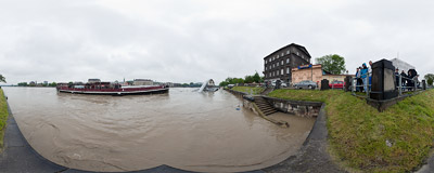 May 2010 flood in Kraków: the building site of a new footbridge across the Vistula river is now under water.  Click to view this panorama in new fullscreen window