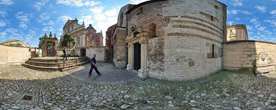 Kraków - in front of St. Andrew's Church.  Click to view this panorama in new fullscreen window