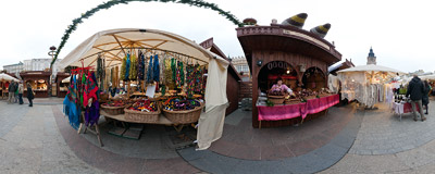 The traditional Easter fair on the Kraków Old Town Square.  Click to view this panorama in new fullscreen window