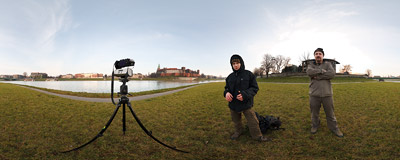 On a chilly December afternoon we are gigapanning the Kraków skyline from the banks of Vistula river.  Click to view this panorama in new fullscreen window