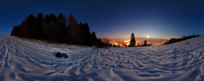 Evening in Pieniny Mountains: on the trail from Trzy Korony down to Krościenko in the valley of Dunajec river.  Click to view this panorama in new fullscreen window