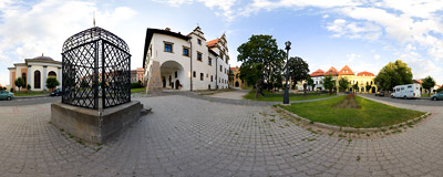 Levoča town square.  Click to view this panorama in new fullscreen window