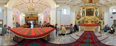 Interior of St. Simon's church in the village of Lipnica Murowana.  Click to view this panorama in new fullscreen window