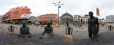 A statue of Three Factory Owners on Piotrkowska Street in Łódź.  Click to view this panorama in new fullscreen window